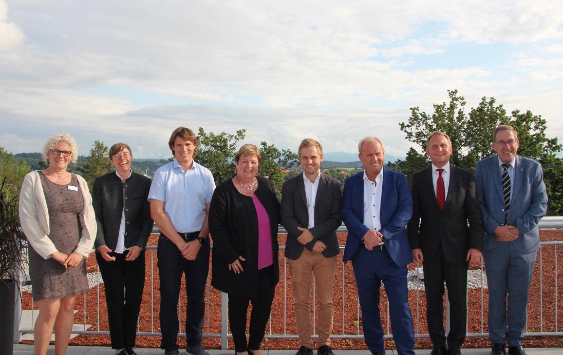 Schlüsselübergabe für Neubau Seniorendomizil Haus Marie-Eberth an die SCHÖNES LEBEN Gruppe